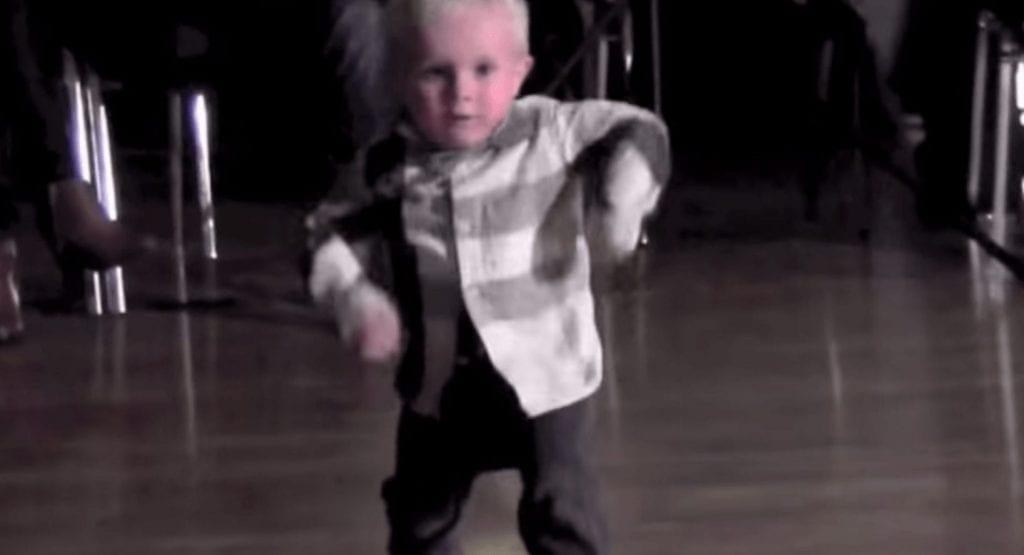 2 anos bailarin
