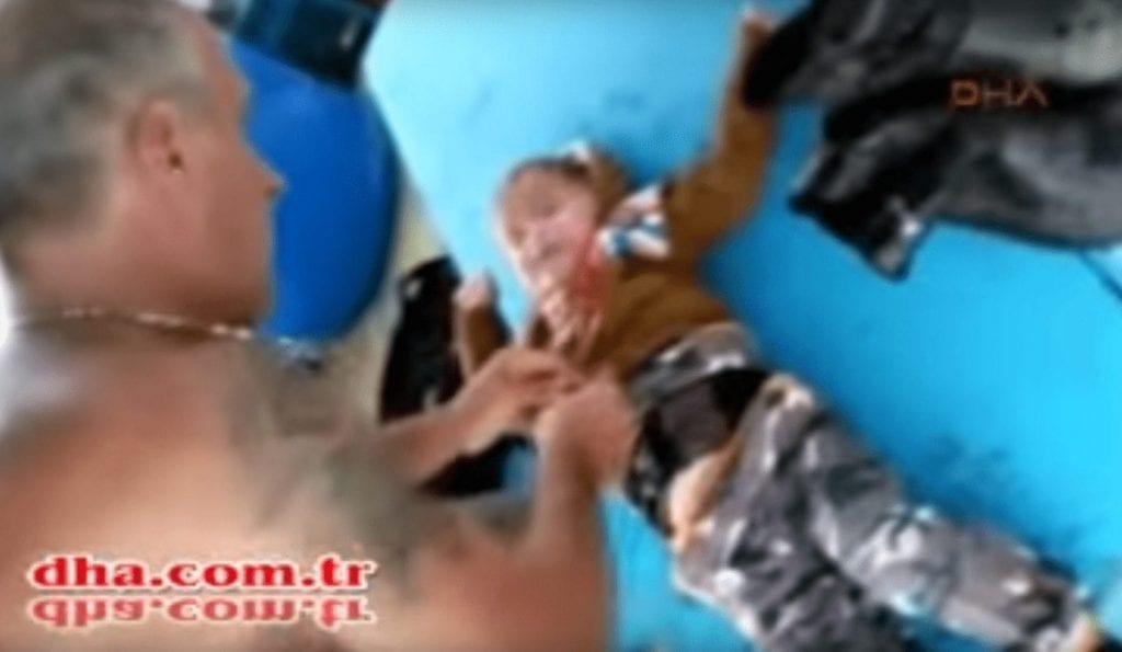 rescate bebe refugiado
