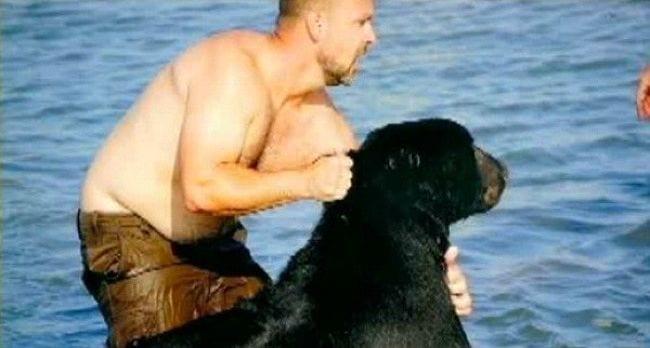 hombre-salva-oso-11