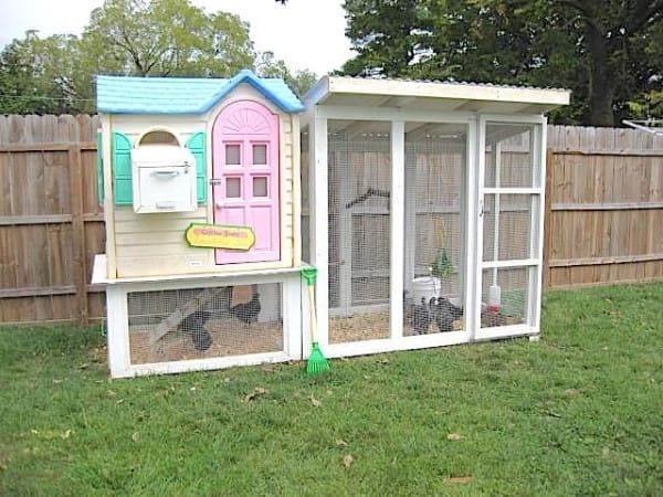 Mira en lo que esta madre convirti la vieja casa de mu ecas de sus hijosla nube de algod n - Casas para gallinas ...