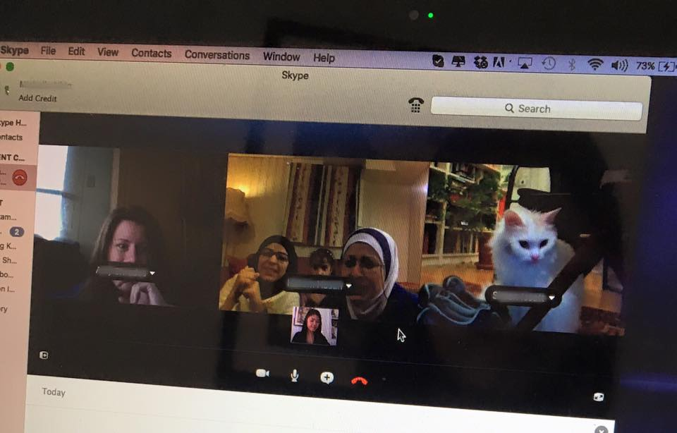 Primer encuentro a través de Skype con la familia del gato - Reunite Dias