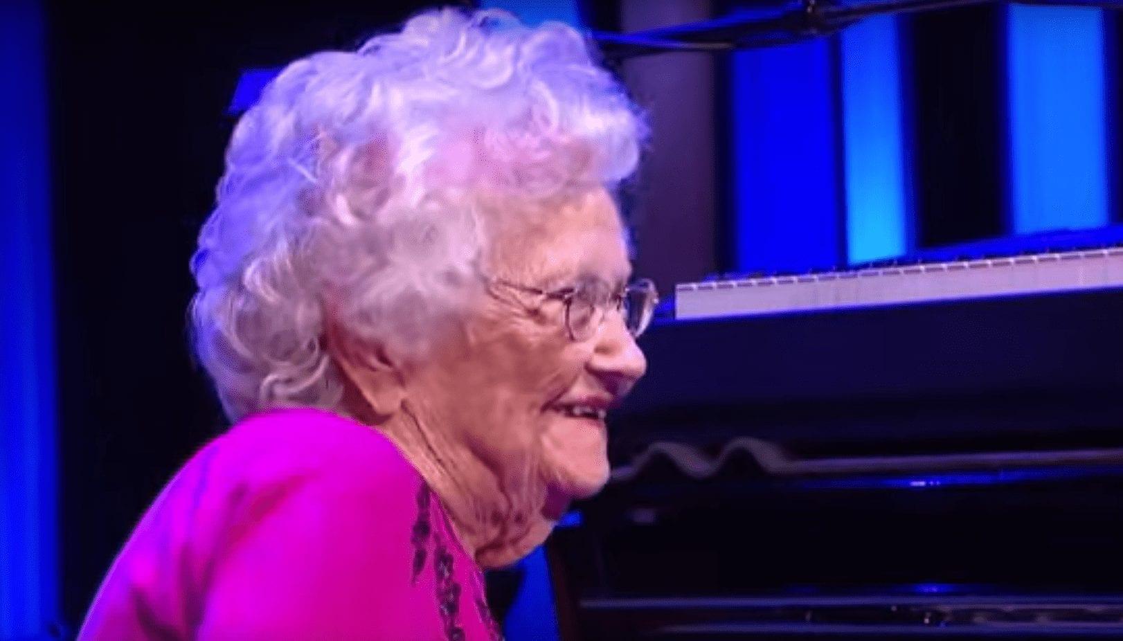 abuela-piano-03