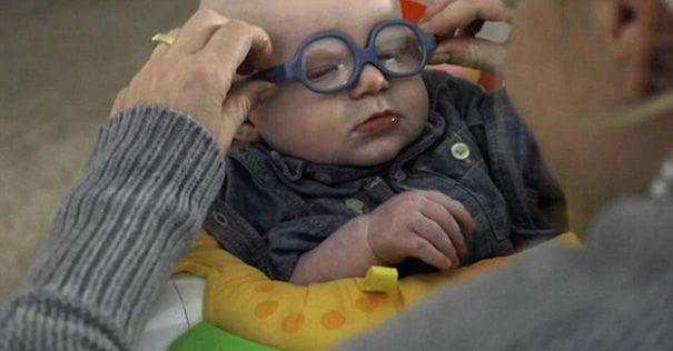 bebe gafas 02