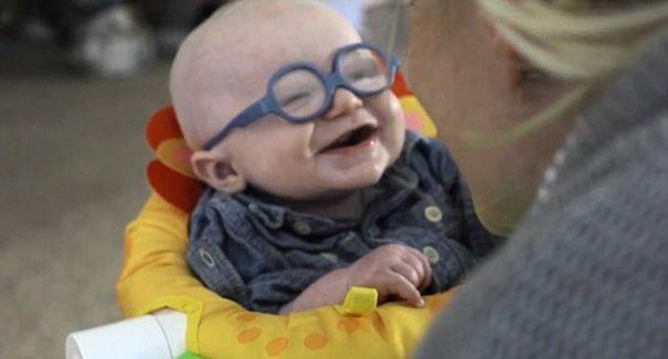 bebe-gafas-03