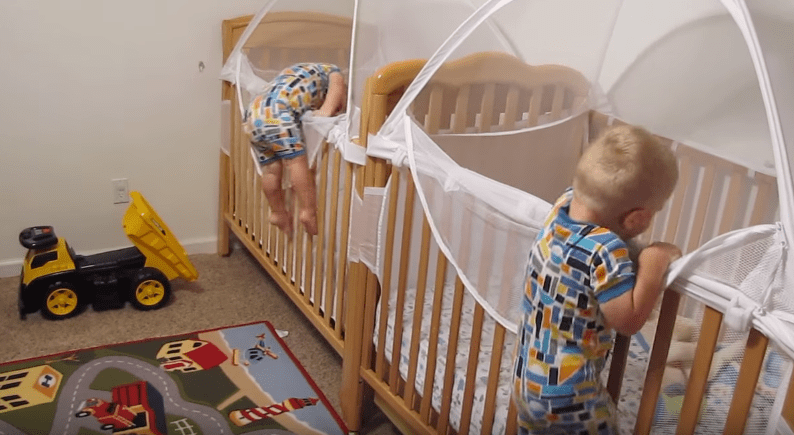 gemelos-bebes-autosuficientes2