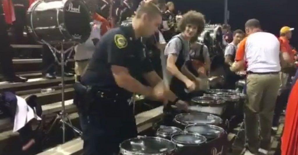 policia marcha musical dest