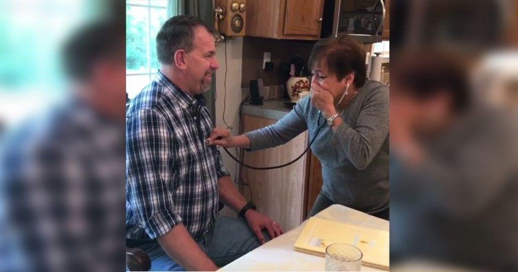 Esta madre se emociona al volver a escuchar los latidos de su hijo fallecido
