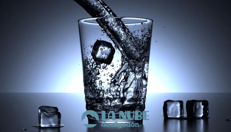 Las principales razones de cuidado personal para beber más agua